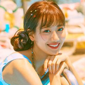 April Lee Naeun